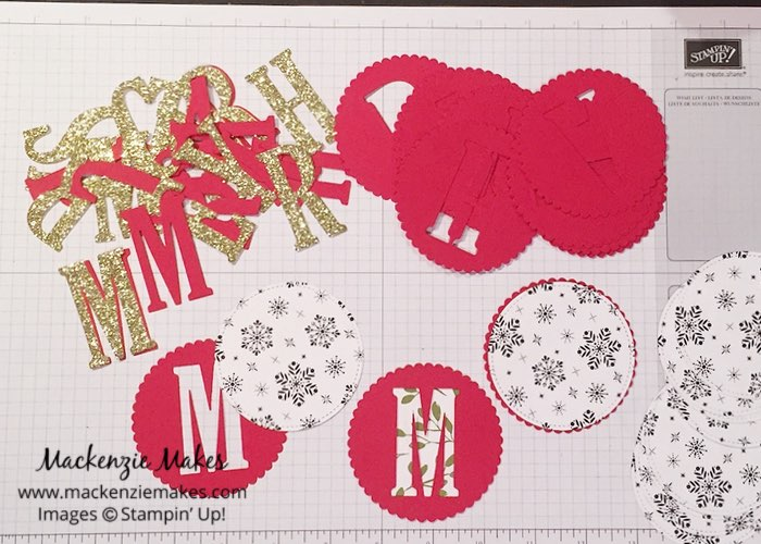 Merry Christmas Banner Featuring October 2017 Paper Pumpkin – Be inspired to decorate for the Holidays by making a Christmas banner. Click through to learn how to make your own. | #mackenziemakes #makewithme #stampinup | www.mackenziemakes.com